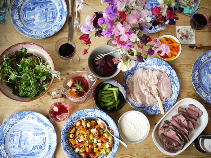 country-house-lunch-table-6
