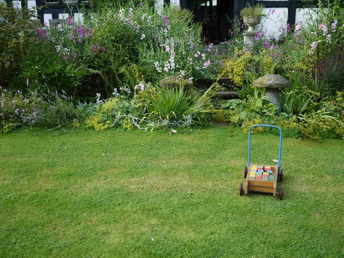 english-country-garden-shropshire-8