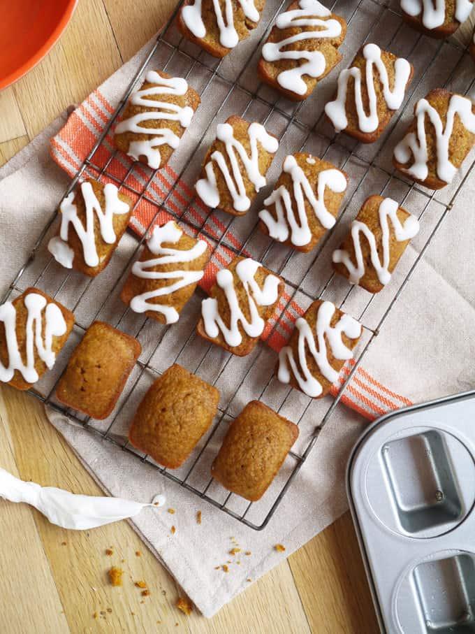 Mini Pumpkin Bread Loaves Recipe - The perfect autumn cake!