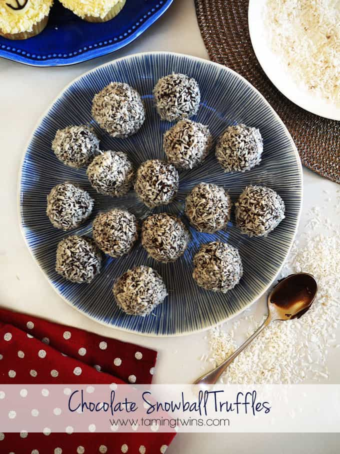 Chocolate Snowball Truffles - Perfect Christmas make for children to help with. These make a great rainy day activity, and are fab to give as gifts! http://www.tamingtwins.com