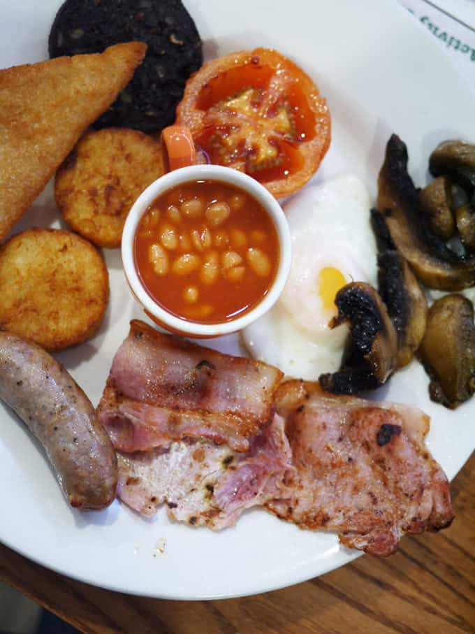 Wyvale Garden Centre - Breakfast with Father Christmas..