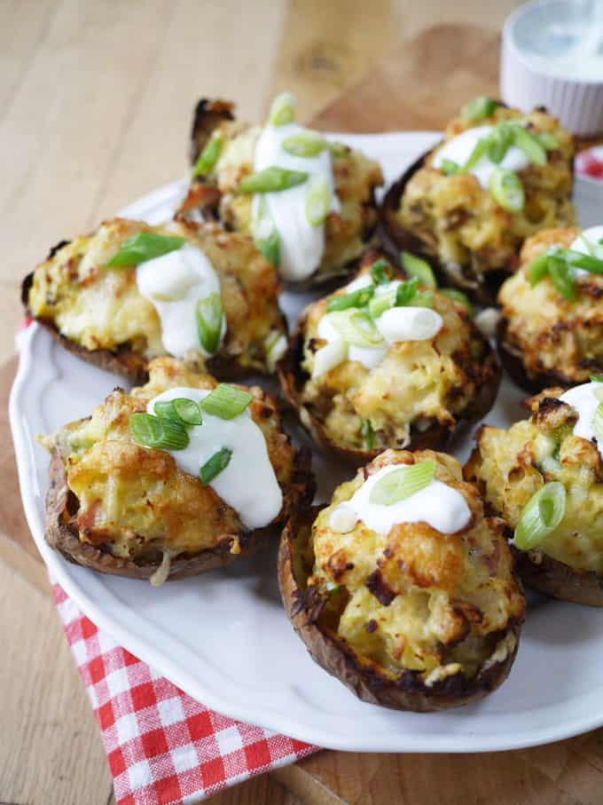 Skinny LOADED Cheese and Bacon Potato Skins   A lighter version of the classic stuffed cheesey potatoes. A delicious lunch, snack or appetizer, these are Slimming World diet friendly   http://www.tamingtwins.com