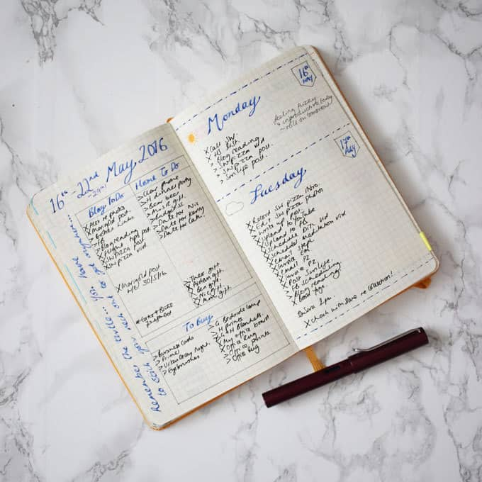 My Bullet Journal review, peek inside my Bullet Journal for the last few months, my daily spreads, weekly spreads, my journalling and to do lists. What's worked and what hasn't. http://www.tamingtwins.com