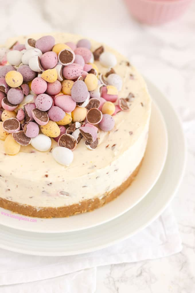 With Video Guide This No Bake Mini Egg Cheesecake Is