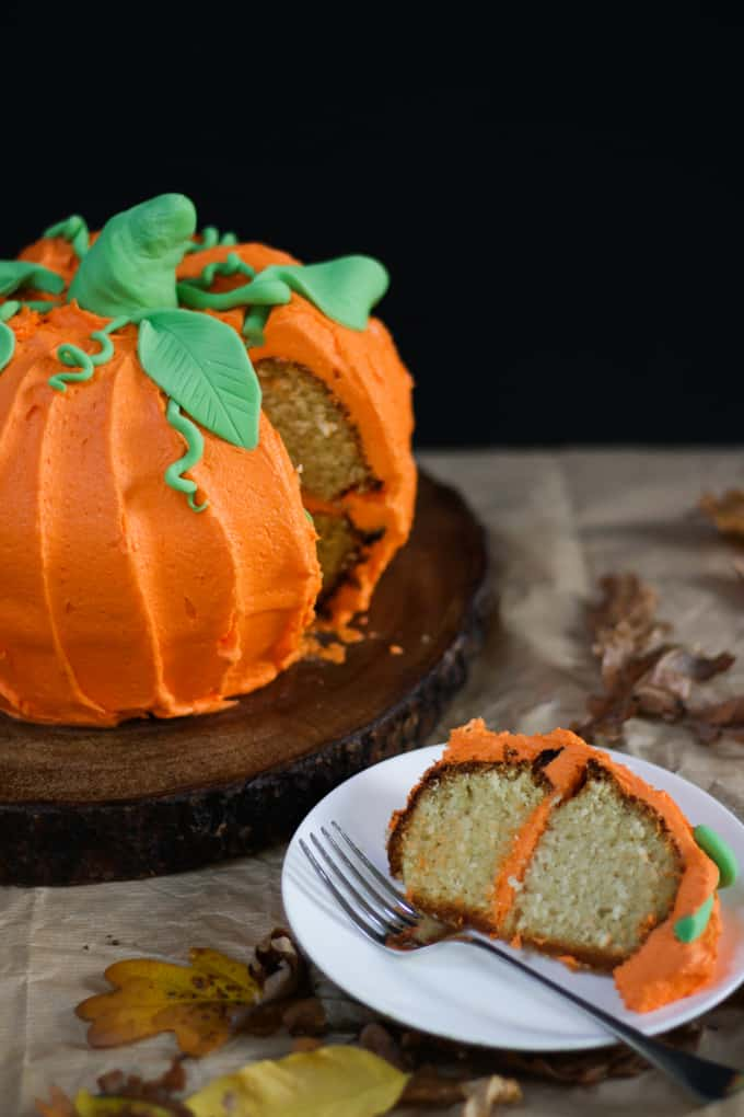 How To Make A Halloween Pumpkin Bundt Cake Taming Twins