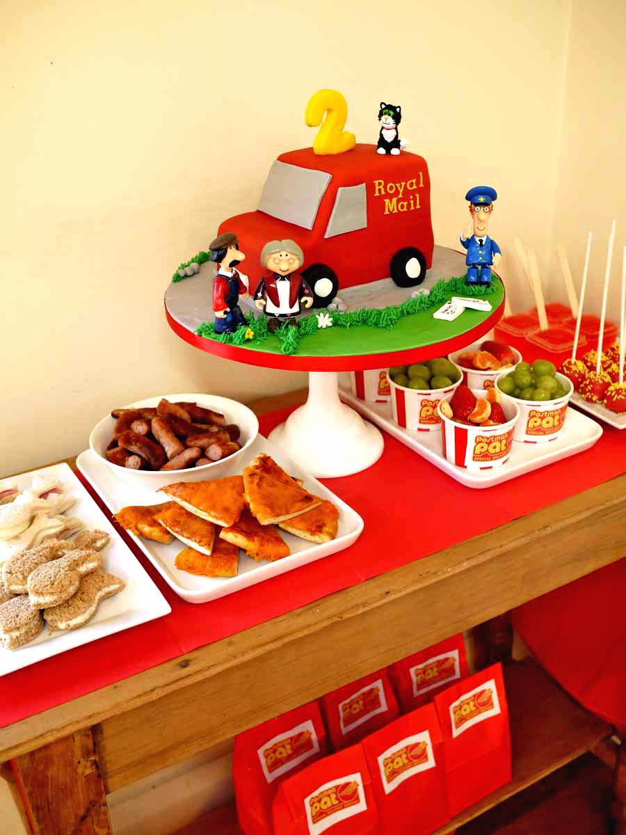 Postman Pat Party Dessert Table