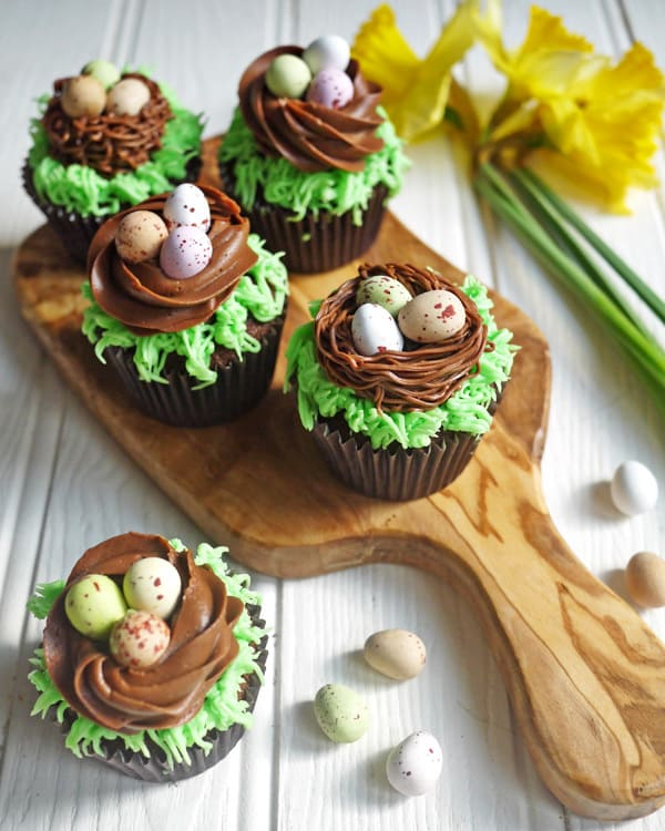 Easter Candy Eggs: Easter Chocolate Nest Mini Egg Cupcakes