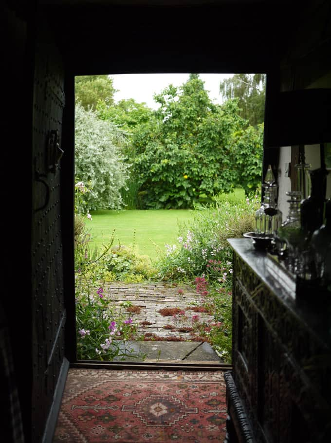 garden-through-door-7