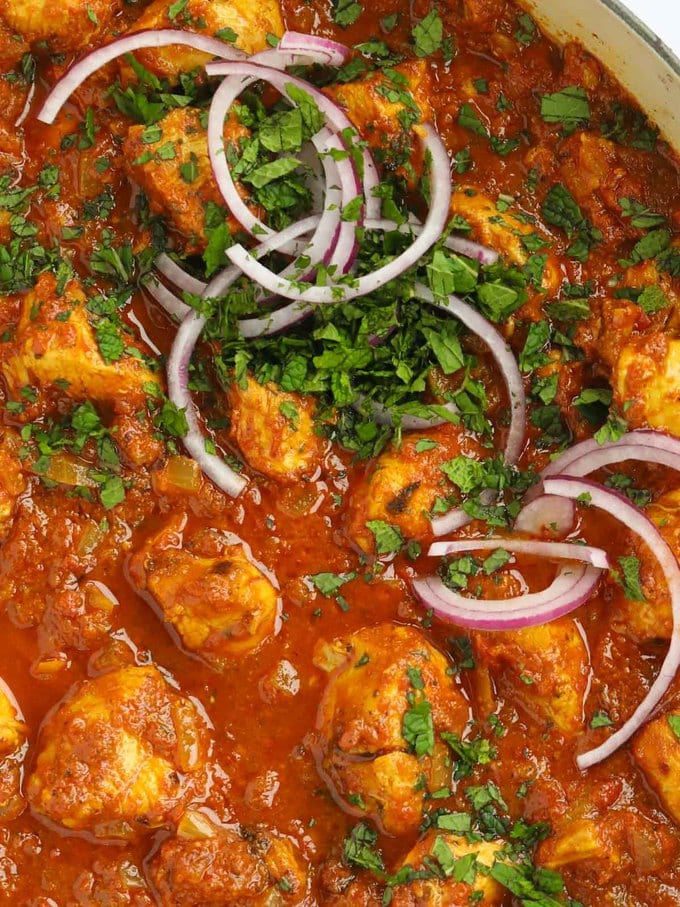 Easy Chicken Curry recipe with tomato based sauce
