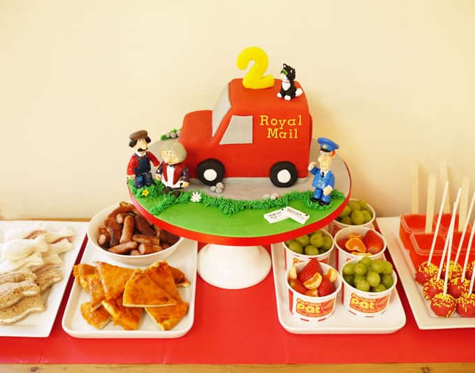 Postman Pat Van Cake - How to make it yourself...