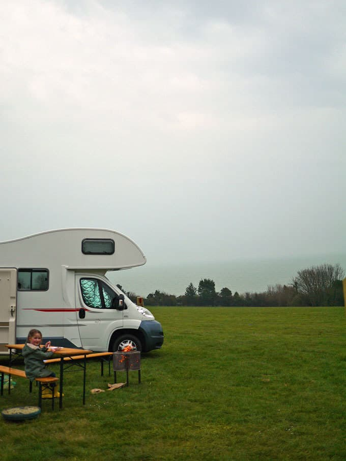 8 Tips for Motorhome Road Trips with Kids - How to happily travel in a campervan with children | https://www.tamingtwins.com