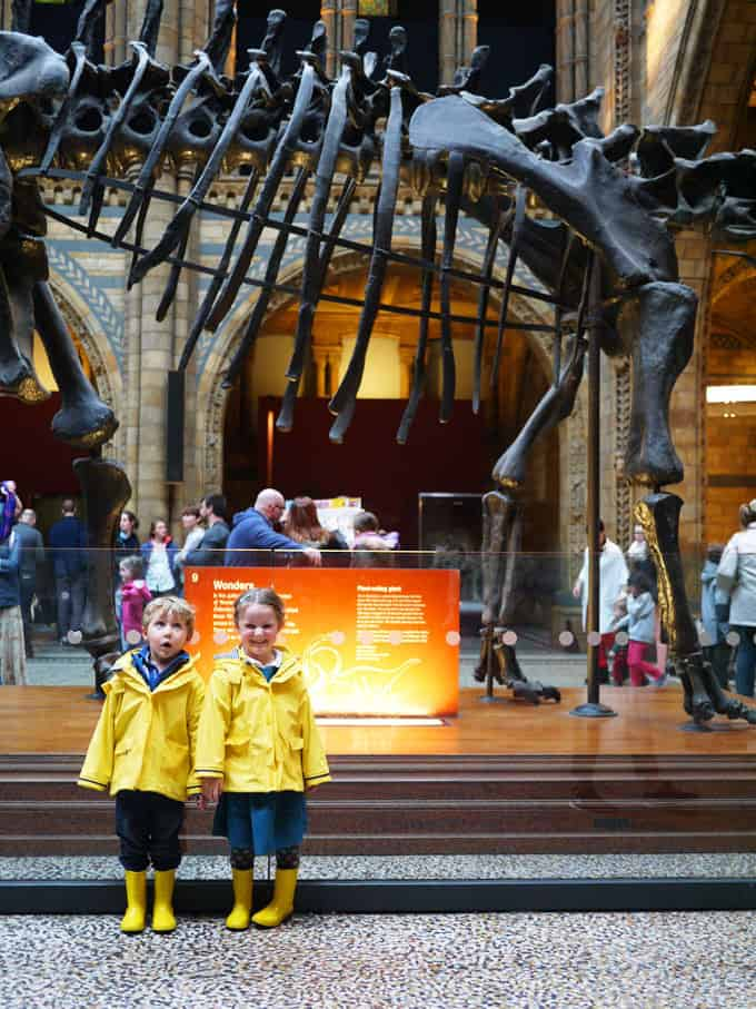 Visiting the city with children? These are some must know tips for a first visit to the London for kids. Where to go, what to see and how to travel.