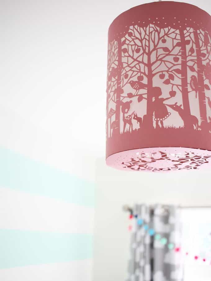 Pink papercut lampshade works brilliantly in this room. A little girl's pink and mint green bedroom tour. Inspiration and decoration ideas for a perfect room for a four year old girl.