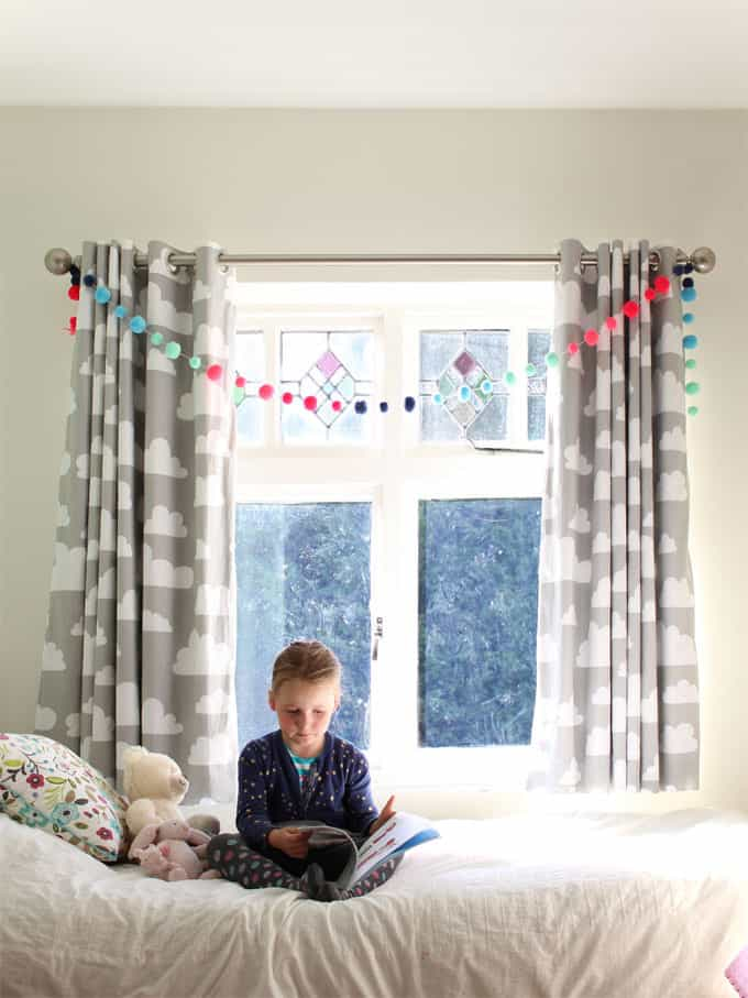 Farg form grey cloud fabric curtains work perfectly here. A little girl's pink and mint green bedroom tour. Inspiration and decoration ideas for a perfect room for a four year old girl.