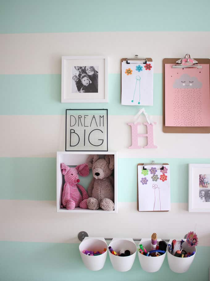A little girl's pink and mint green bedroom tour. Inspiration and decoration ideas for a perfect room for a four year old girl.