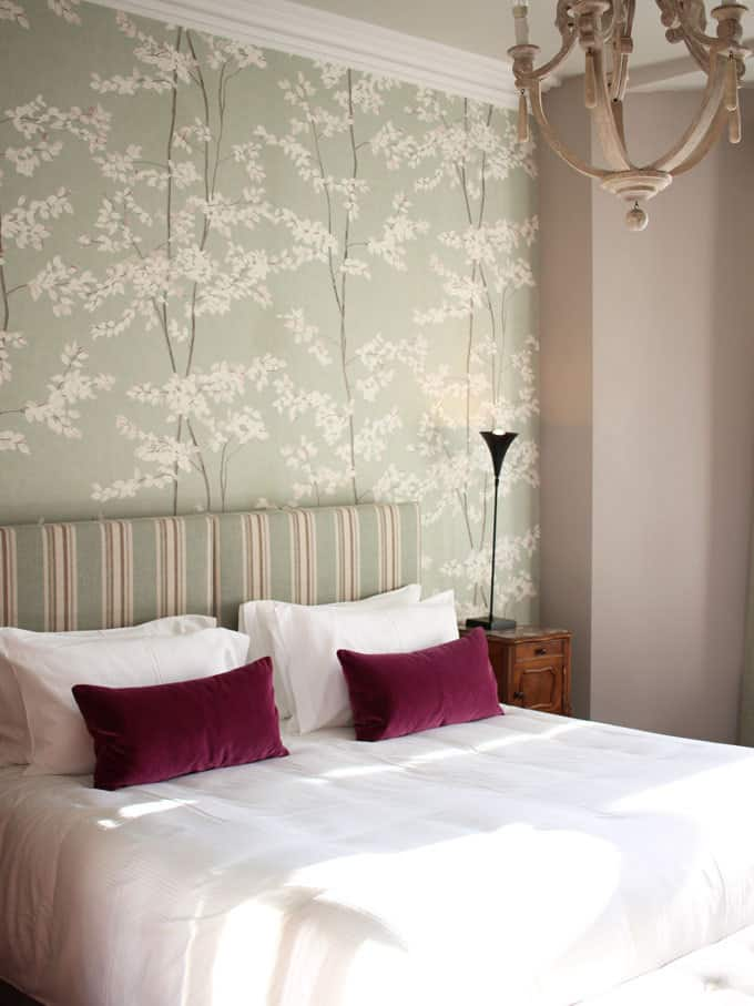Wonderful eau de nil contemporary floral wallpaper.. A review of the stunning Highfield Townhouse, Edgbaston, Birmingham. A pub with 12 beautifully decorated boutique rooms next door.
