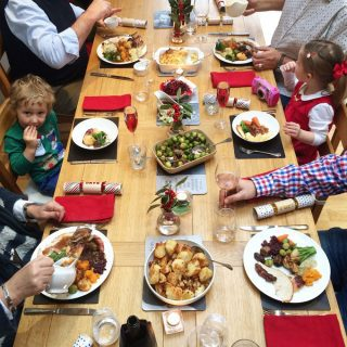 Tips for Family Friendly Christmas Lunch