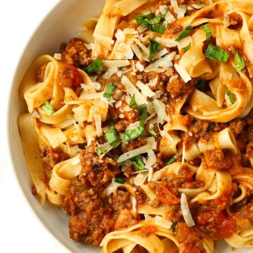 How to make spaghetti bolognese sauce