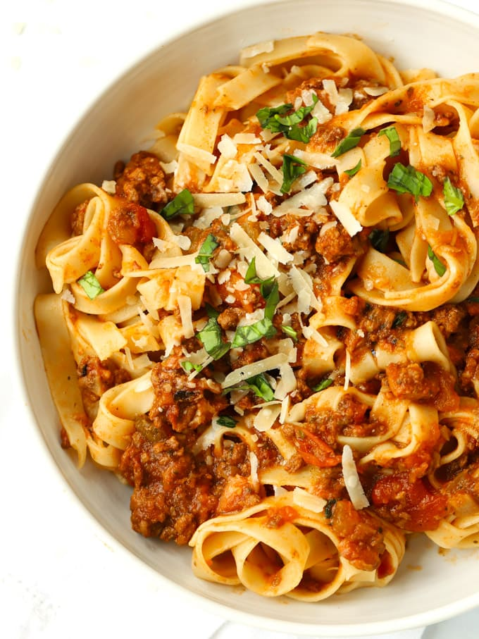 How to make spaghetti bolognese sauce