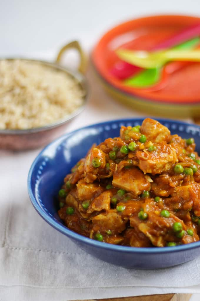 Family friendly fruity chicken curry - Kids and grown ups will love this deliciously mild and tasty curry recipe. Packed with fruit and vegetables, it makes a really tasty midweek dinner.