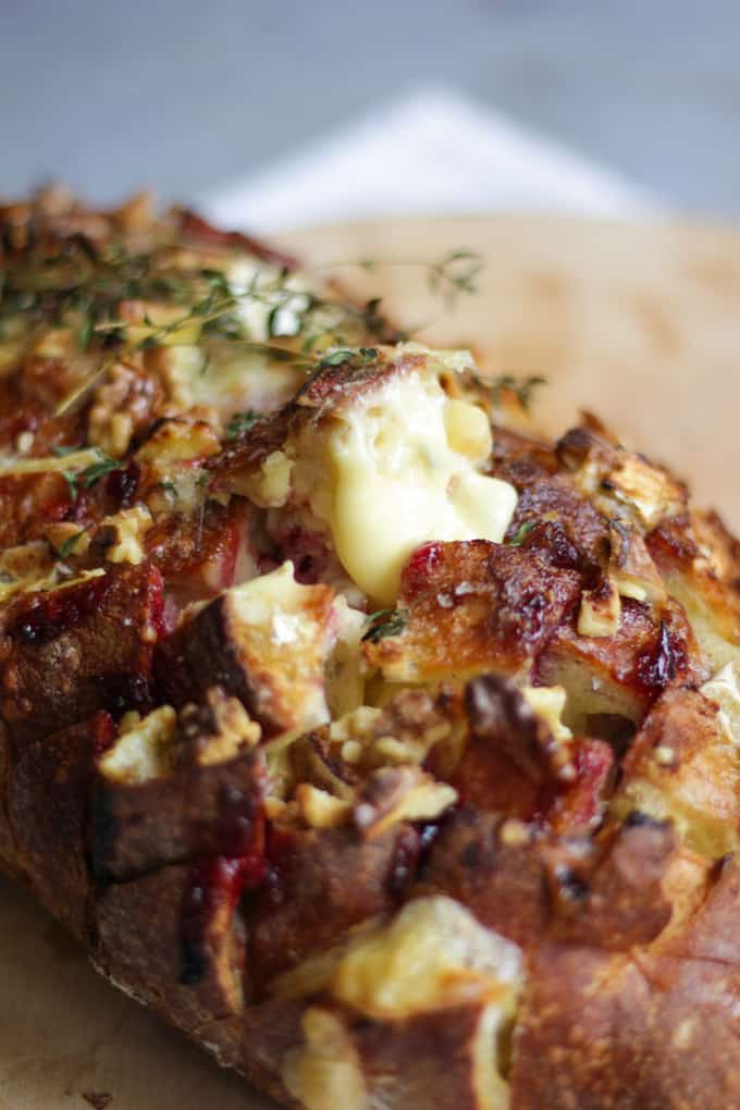 Easy and delicious Brie and Cranberry Pull Apart Bread. The ideal festive Christmas party make. #ChristmasFood