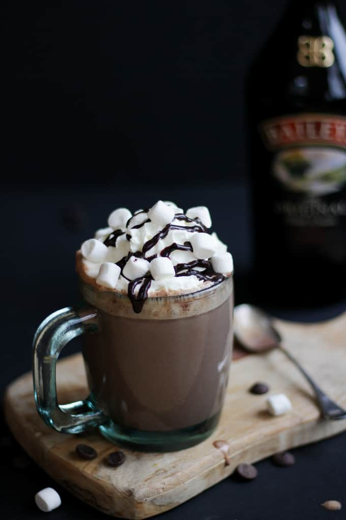 Baileys Slow Cooker Hot Chocolate - The perfect, most creamy and delicious crock pot hot chocolate you can imagine. Ideal for Christmas and winter days.