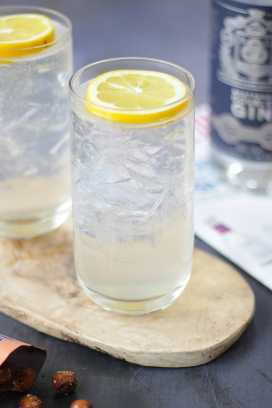 The perfect cocktail for gin lovers, the classic Gin Fizz Cocktail is light and refreshing. Full of bittersweet lemon taste, this version does not contain any egg whites. This is also an ideal alternative to a gin and tonic for any tonic haters.