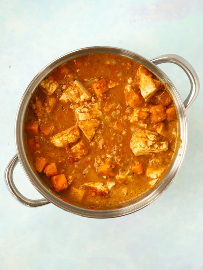 Uncooked vegetarian curry