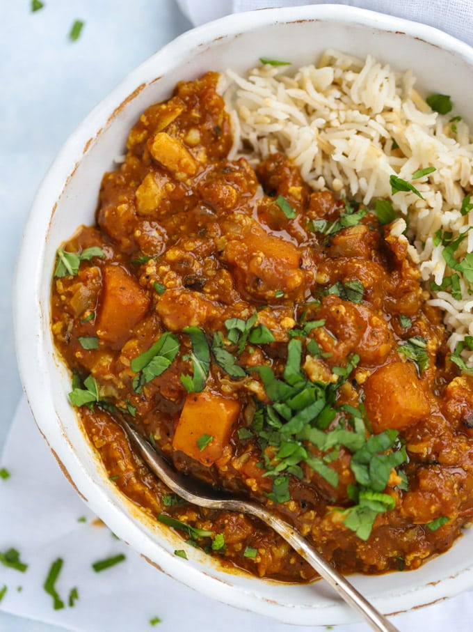 Vegan curry recipe with cauliflower and lentils