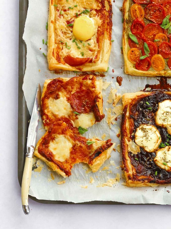 Quick lunch tarts with pizza toppings