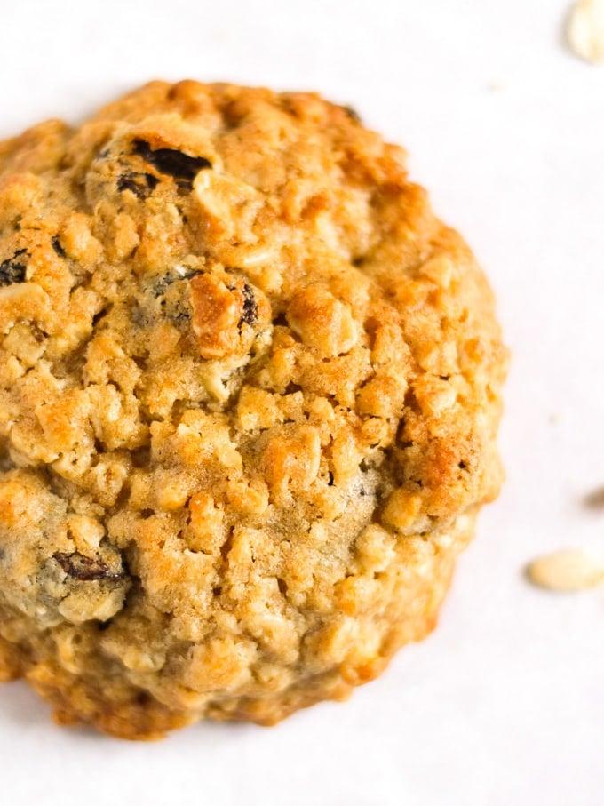 Single oatmeal cookie