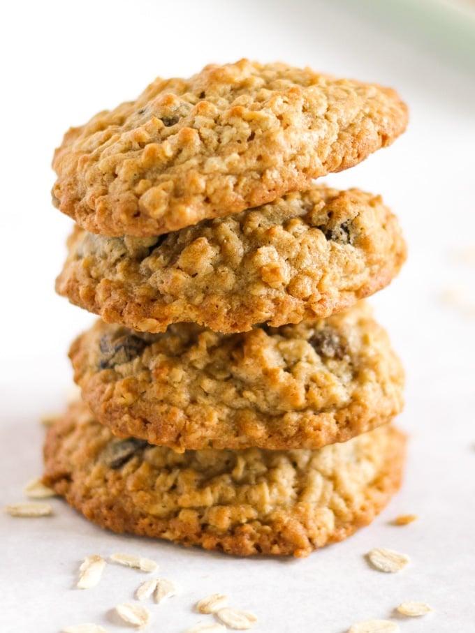 Pile of easy oatmeal cookies