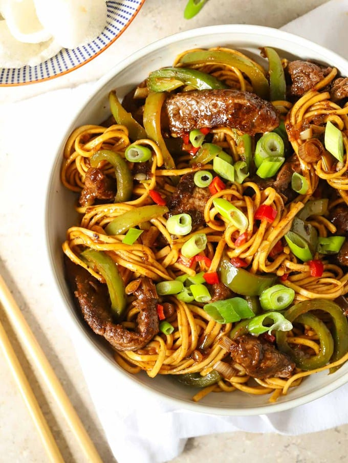 Meat and noodles with sticky sauce Chinese style