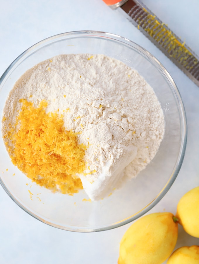 Flour and lemon zest cake ingredients