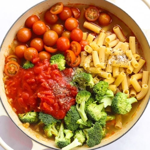 Chorizo pasta one pot with raw pasta and ingredients