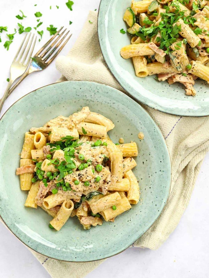 Cream cheese pasta recipe with bacon and vegetables
