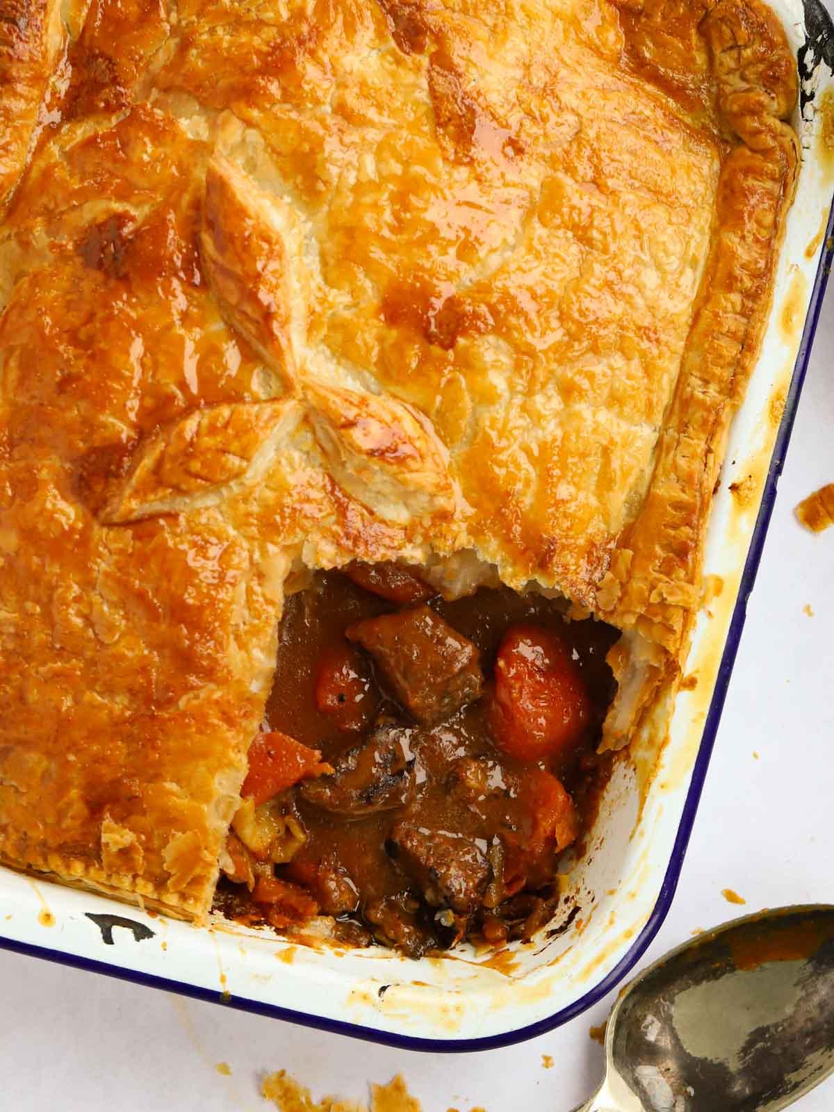 Puff pastry steak pie recipe and gravy